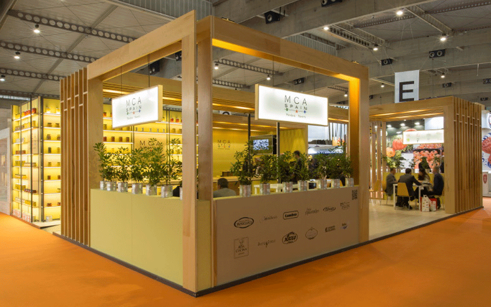 Lateral view MCA exhibition stand